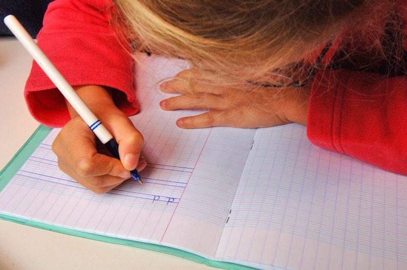 Apprendre à écrire à l'école : une nouvelle urgence
